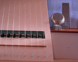 Strings and Bells 2009, lydinstallation i Randers Kunstmuseum. Præmieret af Statens Kunstfond.